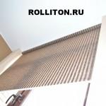 рулонная штора в проём к потолку