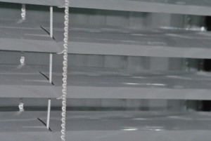 белые жалюзи 800 р за 1 м ²