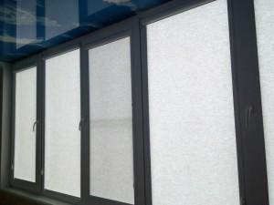 рулонные шторы с натяжным потолком
